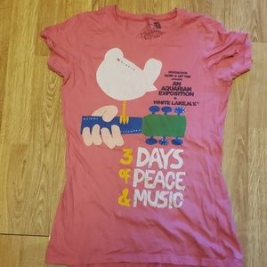 Woodstock graphic tee fitted cut sz XL